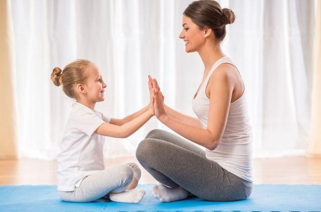 Как делать йогу с ребенком в домашних условиях
